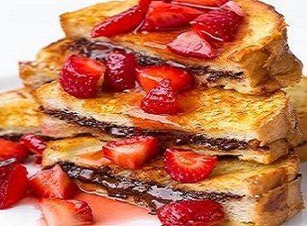 DZIEŃ DOBRY! CO POWIECIE NA SŁODKI POCZĄTEK DNIA...?  ZAPRASZAM NA FRANCUSKIE TOSTY Z NUTELLĄ I TRUSKAWKAMI!!!!  Więcej na: http://fitnella.pl/francuskie-tosty-nadziewane-nutella-i-truskawkami.html