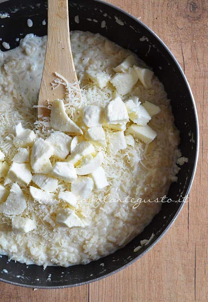 Ricetta Risotto In Bianco.Risotto Bianco Cremoso Ricetta Risotto Bianco Cremoso Tavoartegusto Ricetta Risotto In Bianco Ricette Idee Alimentari