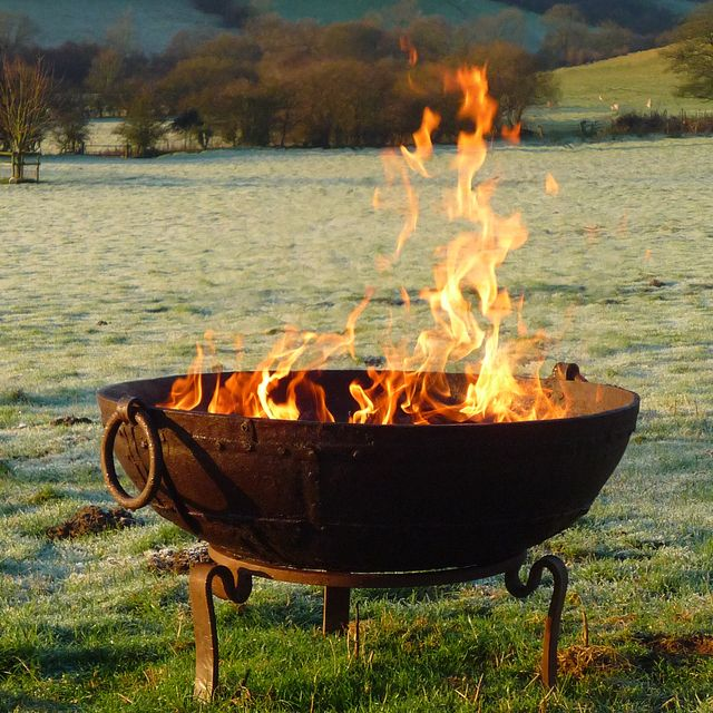 17 best images about fire cooking in the garden on for Outdoor fire bowl
