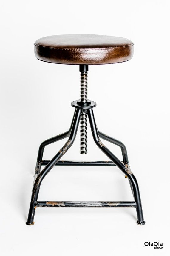 A classically swivel stool. Black color with steel rust. Steel, welded frame Natural leather seat . Seat at lowest point: 50cm Seat $180.39
