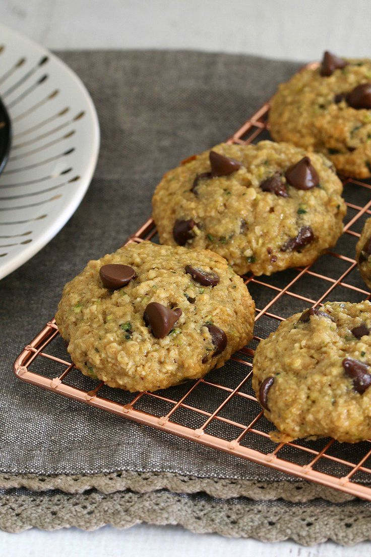 Deliciously easy and HEALTHY ZUCCHINI, OAT AND CHOCOLATE CHIP COOKIES!!!! Totally guilt-free – no white flour, butter or refined sugars – just naturally sweetened, healthy cookies! #healthy #zuchhini #chocolate #chip #cookies #biscuits #baking #recipe #kids #toddlers #lunchbox #thermomix #conventional #sugarfree