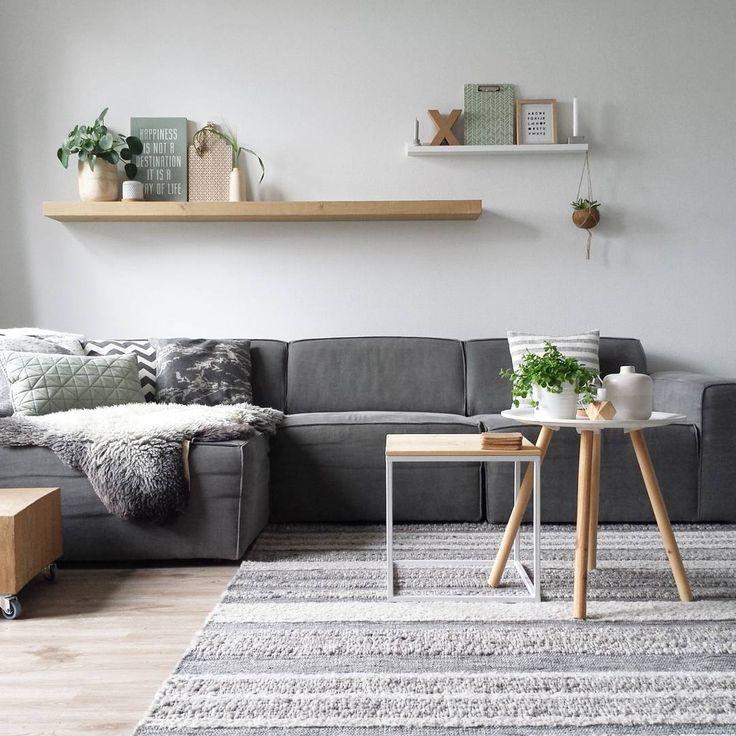 25 beste idee n over woonkamer planken op pinterest woonkamer muren woonkamer rekken en - Na de zwarte bank ...