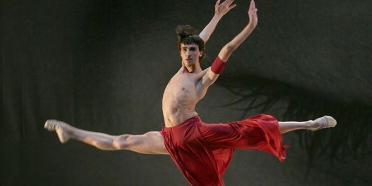 Compañía de danza Víctor Ullate - España. Víctor Ullate, estrella internacional de la danza, fundó en 1988 la compañía que lleva su nombre y que acaba de...