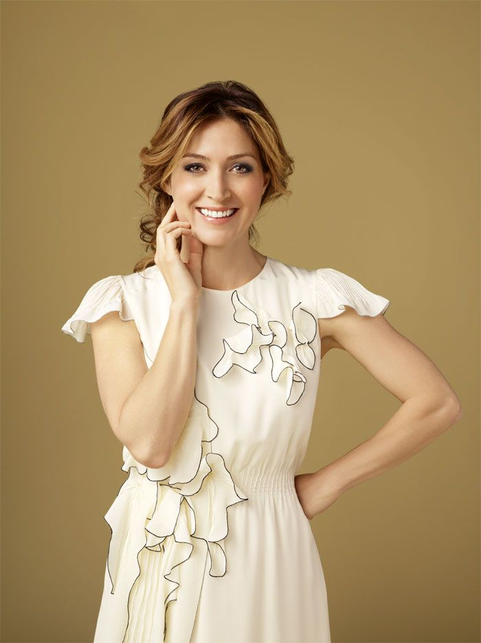 Sasha Alexander (Dr. Mara Isles on Rizzoli and Isles and was Kate Todd on NCIS)