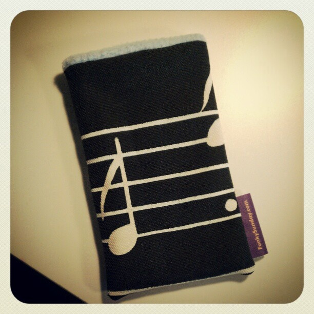 Etui de portable notes de musique Funky Sunday