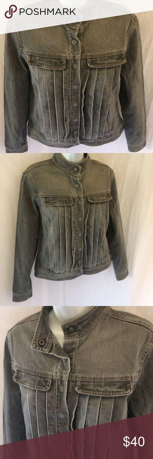 I just added this listing on Poshmark: French Connection Jean Jacket. #shopmycloset #poshmark #fashion #shopping #style #forsale #French Connection #Jackets & Blazers