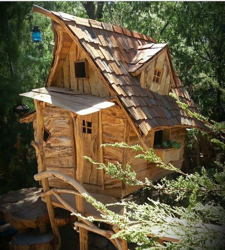 The @cabana_altazor in Chile #treehouseclub Cabaña Altazor Treehouse