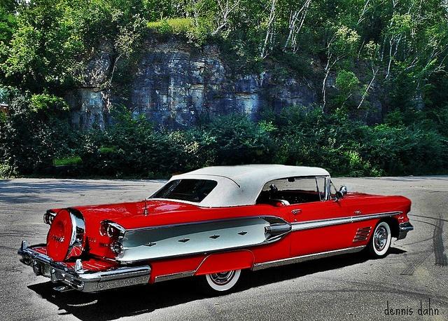 1958 Pontiac with continental kit