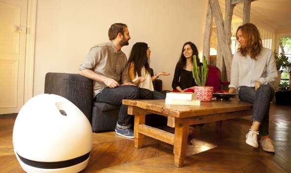僕らが求めていた家庭用ロボットはコレかも。映画、音楽、温度と何でもありの「KEECKER」