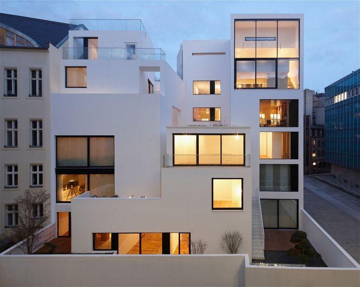 Housing at the Old City Wall Berlin / Sohrab Zafari