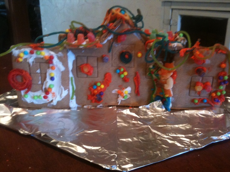Gingerbread house FAIL. Something went wrong (With images