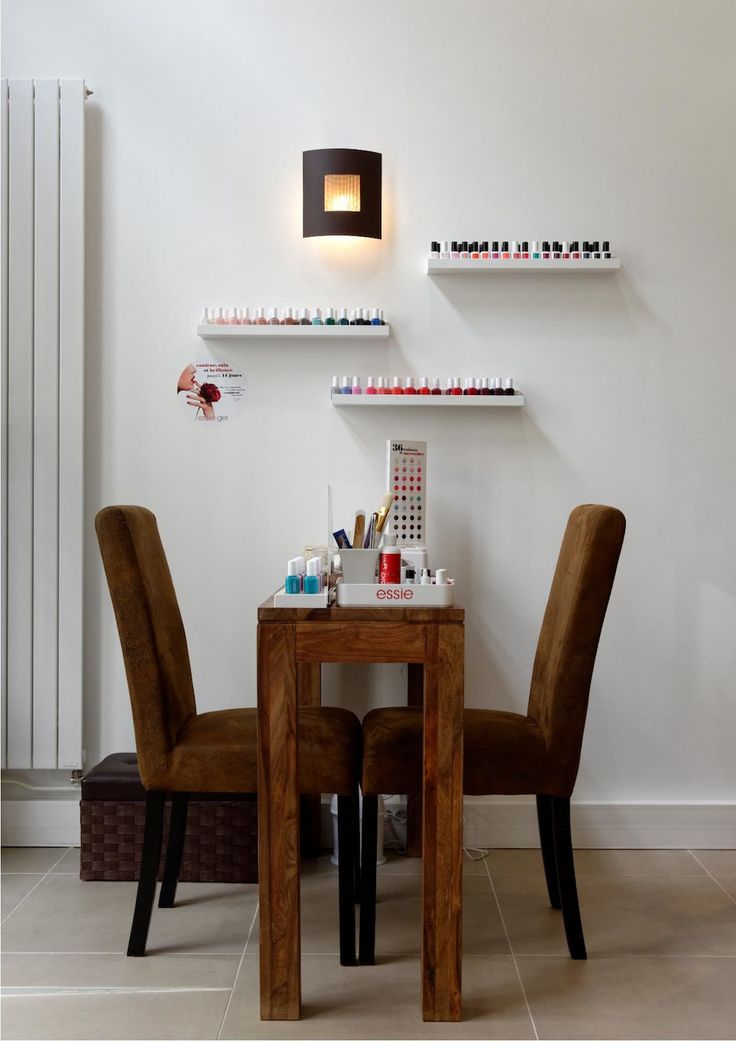 17 meilleures id es propos de bar a ongles sur pinterest ongles propres fard paupi res. Black Bedroom Furniture Sets. Home Design Ideas