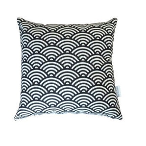 Black and white geometrical scallop print cushion cover