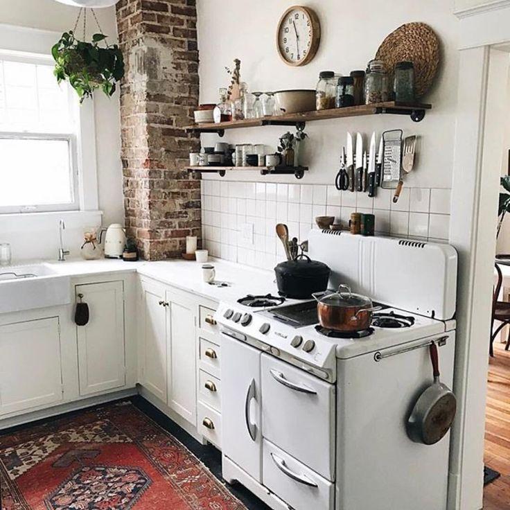 Best 25+ Old Farmhouse Kitchen Ideas On Pinterest