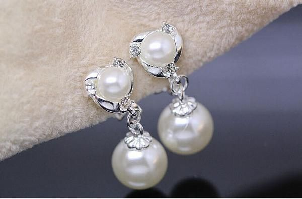 Elegant Dolphin Pearl Earrings