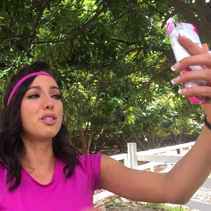 Awwww @setarehkhatibi_ no pudo con la emoción de leer sus mensajes hoy! #NBLVIP by nuestrabellezalatina