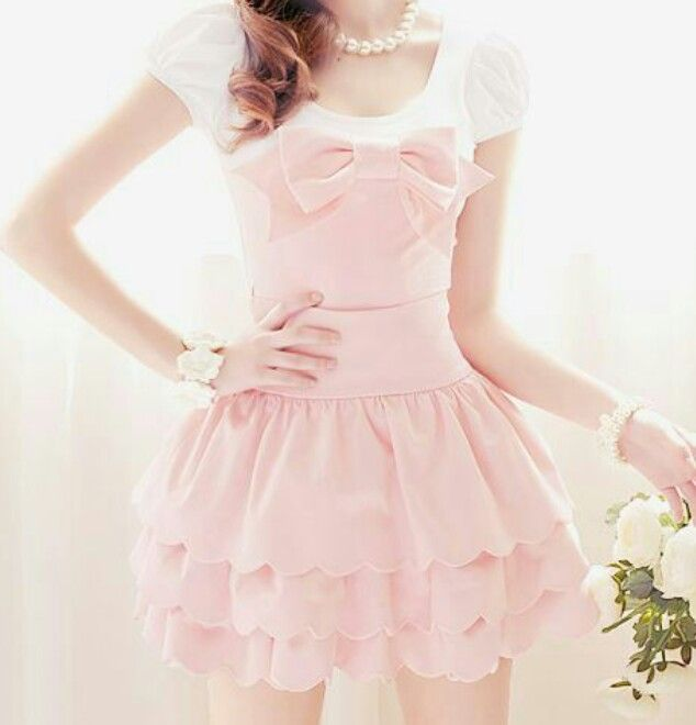 ♡I love how sweet and girly this dress is♡