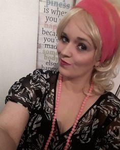 #selfie #eighties #80s #80sparty #blonde #blondie #pink #makeup #makeuplover #fakelashes #lashes #eyebrowsonfleek #eyebrows #duckface #blackandpink #neglace #animalprint #pinklips #nobrunette #justblonde #picoftheevening #saturdaynight #fun #costume #costumeparty #instapic #instaselfie #instagood