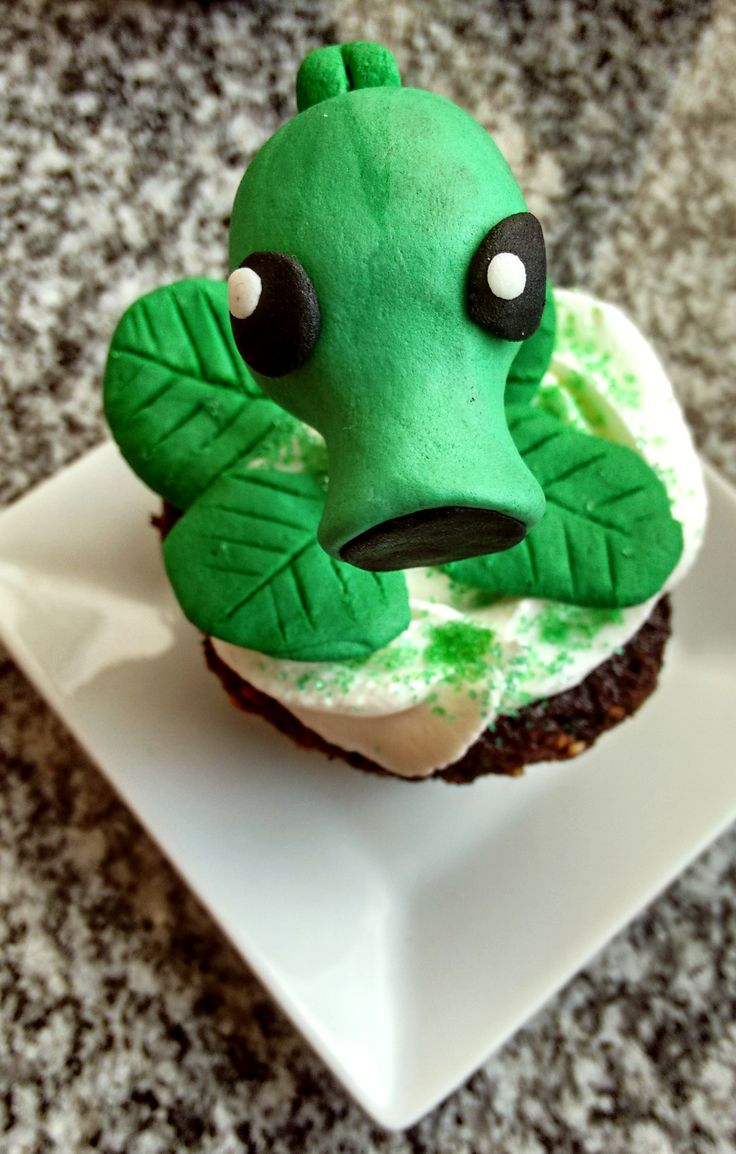 Peashooter cupcake decoration