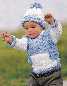 Strickpullover mit Tasche und Hut