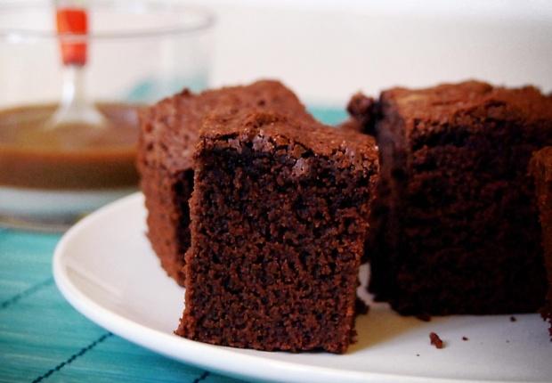 Le gâteau minute au chocolat  Vite, des invités débarquent ou bien les enfants ont un creux pour le goûter!  Voir la recette du gâteau au chocolat minute