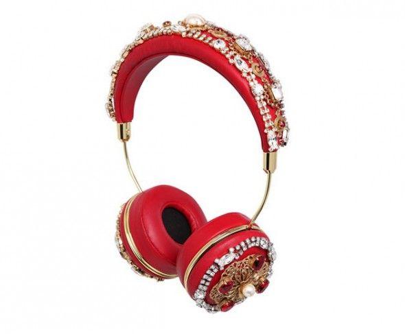 A Dolce & Gabbana também fez com a Frends essa outra opção, que custa R$ 23.000 na Luisa Via Roma. Puro luxo!