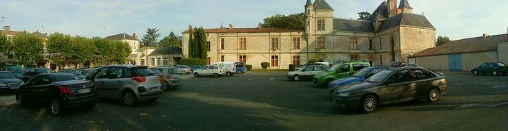 Place du Château, Coulonges sur l'Autize - Liste des monuments historiques des Deux-Sèvres — Wikipédia