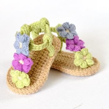 Puff Flower Baby Sandals crochet pattern by Matilda's Meadow