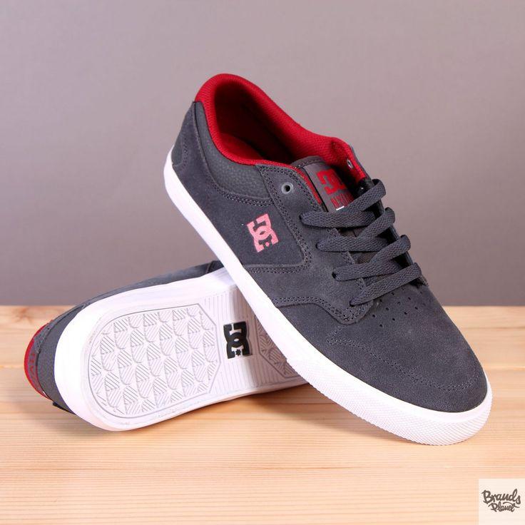 Szare męskie buty sportowe na wulkanizowanej podeszwie DC buty na deskorolkę Nyjah Vulc Dark Shadow  / www.brandsplanet.pl / #dc shoes #skateboarding