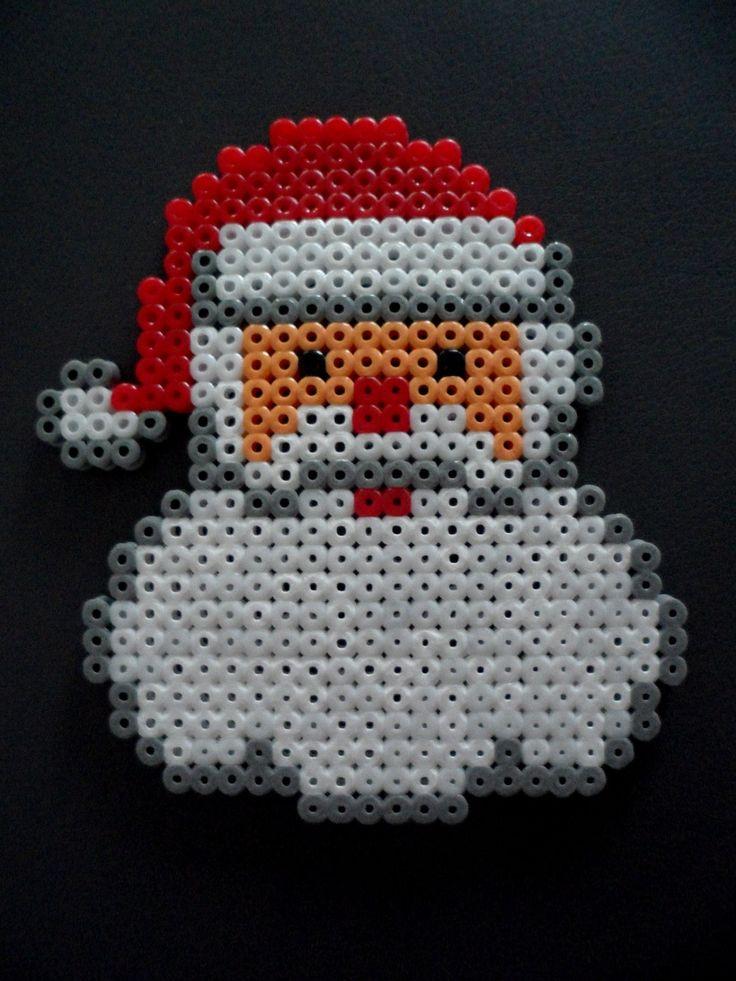 Déco Père Noël en perles Hama : Décoration pour enfants par free-eggs