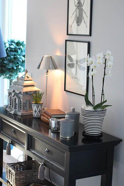 Nice table vignette for living room