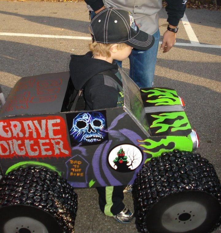Max's Gravedigger halloween costume.