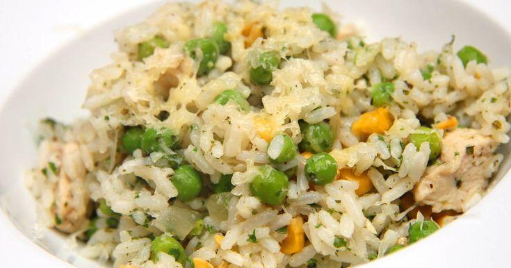 Mennyei Brazil csirkés rizs recept! Ez a brazil színekben pompázó isteni egytálétel egy remek fogás! :) Készítsd el te is!