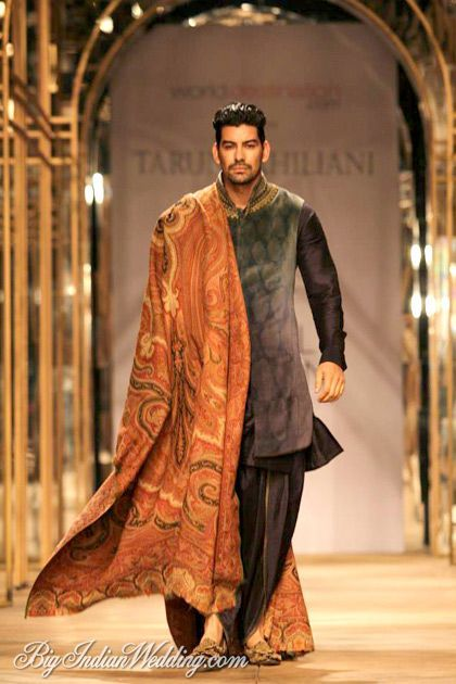 Tarun Tahiliani at India Bridal Week 2013 http://itz-my.com