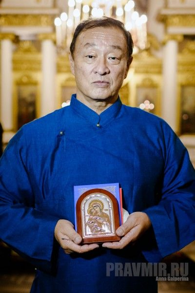 """Actor Cary-Hiroyuki Tagawa, who stars in the upcoming Russian film """"Priest-San: Samurai's Confession,"""" has been baptized in the Russian Orthodox Church with the name Panteleimon. Metropolitan Hilarion of Volokolamsk performed the sacrament.  An amazing journey led Cary-Hiroyuki Tagawa into the Orthodox Church. It turns out that there was actually a small connection with his family history and Russia.  His father learned to speak Russian while living in the United States, and his uncle, a…"""