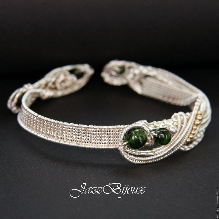 Купить Браслет с хромдиопсидом - браслет, плетеный браслет, подарок девушке, крупный браслет, нарядный браслет