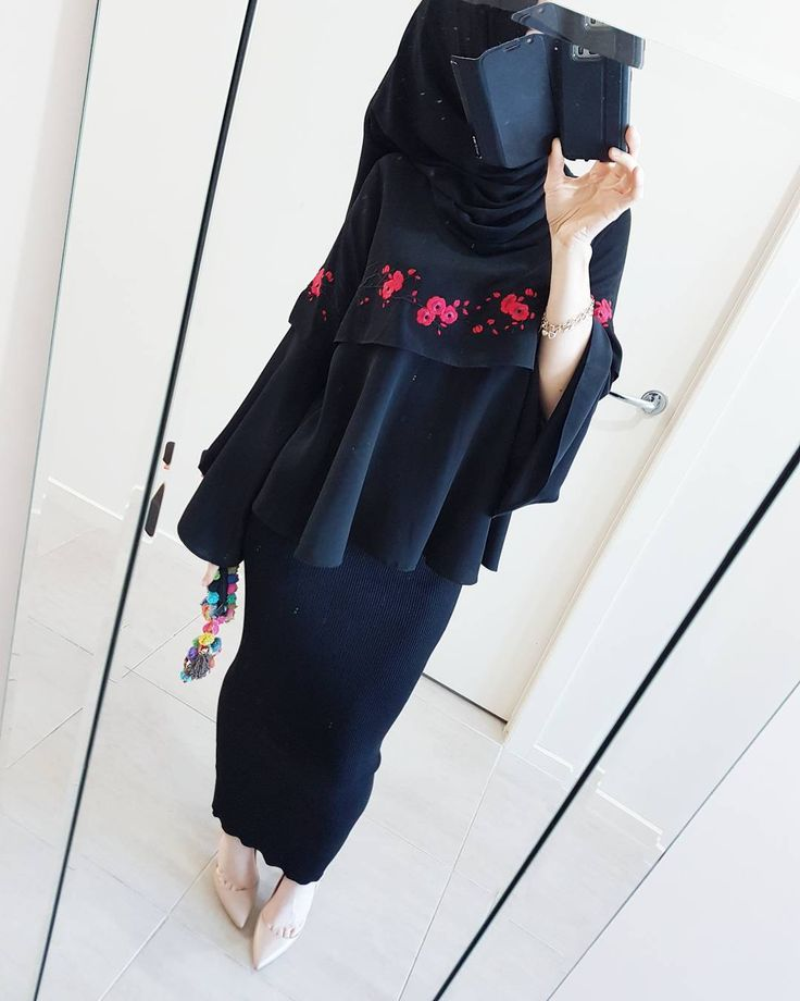 "744 Likes, 5 Comments - @hijabrevivalofficial on Instagram: ""Swipe to see this @modestyinstyle waterfall abaya in its full glory ❤ P.s its also featured on my…"""