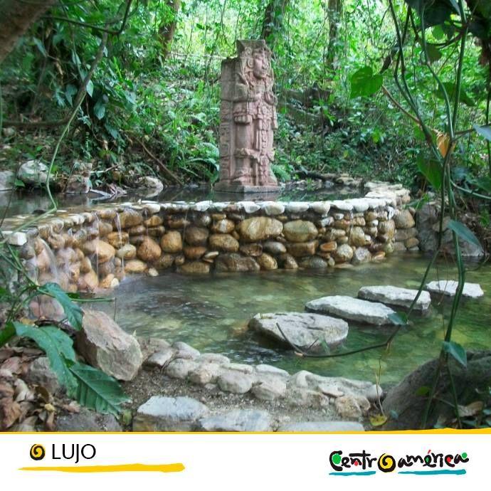 Para disfrutar de los beneficios de las aguas termales y que las manos más delicadas te renueven con un masaje, nada mejor que visitar un spa… y Centroamérica te ofrece un sinfín!