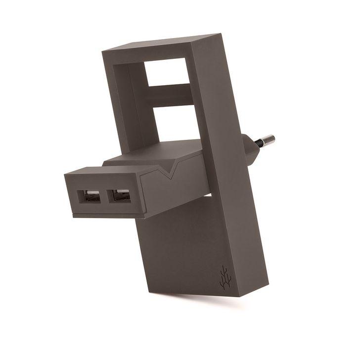 Chargeur USB Rock - Taupe - Le design au service de la fonctionnalité : avec le chargeur USB Rock, découvrez un accessoire high-tech flexible et innovant, qui réinvente cet objet du quotidien ! Doté d'une partie amovible, celui-ci se déplie pour laisser place à un véritable support grâce à son encoche où peut reposer votre smartphone lors de son chargement. Un chargeur astucieux qui répond aux exigences des technophiles...