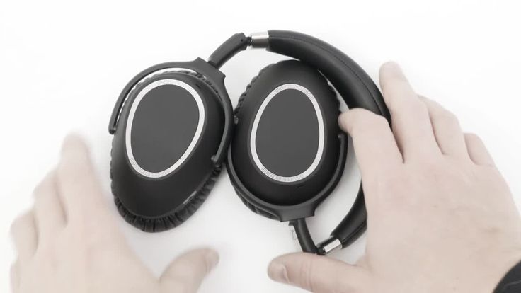 Crutchfield: Sennheiser PXC 550 Wireless noise-canceling headphones   crutchfield.com