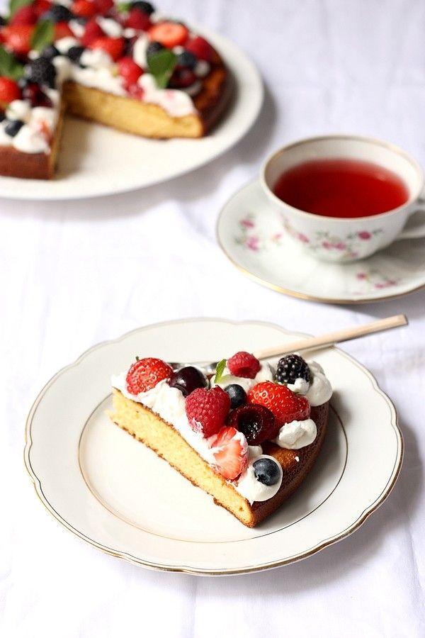 Gâteau au lait concentré façon tarte aux fruits rouges