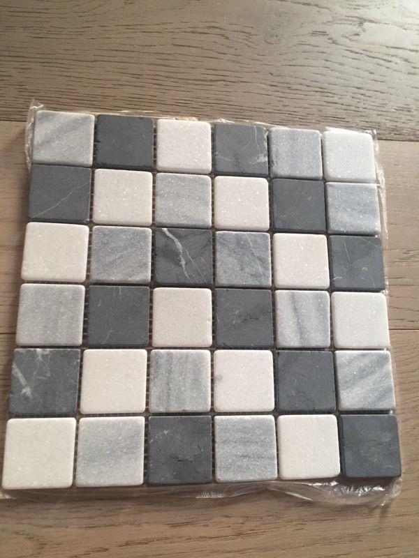 5 x 305mm x 305mm grey mosaic tiles