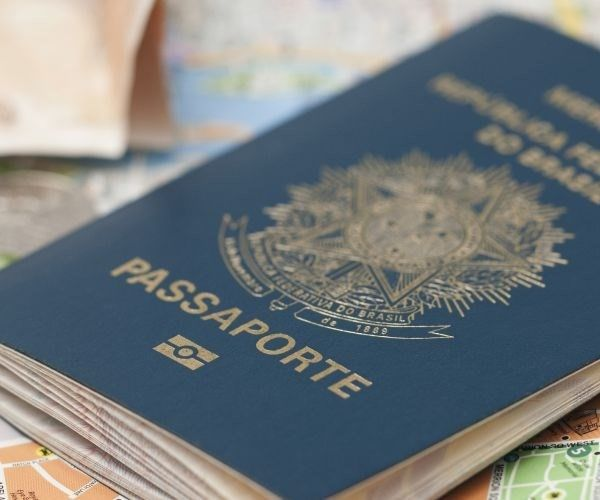 """Estudo da Associação Internacional de Transporte Aéreo (IATA) mostra que o passaporte mais """"poderoso"""" é o alemão: cidadãos daquele país entram sem visto em 177 destinos"""