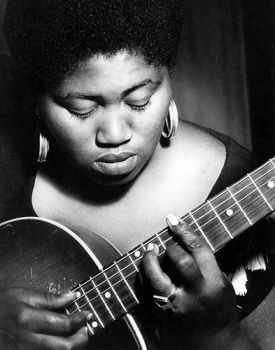 Odetta: Civil Rights Activist and Musician.  http://www.biography.com/people/odetta-507480 … #HistoricPOC #BlackHistoryMonth