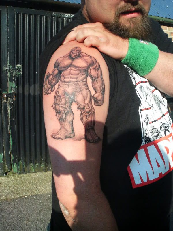 This is bada$$!!!!!  Unique black and white hulk #tattoo www.thetattoofanatic.com