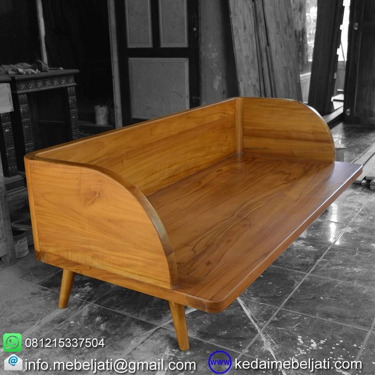 Bale bale jati minimalis vintage style.  Bahan : kayu jati grade B.  Finishing : melamine warna kayu.  Ukuran : lebar 200 x depth 60 x tinggi 65 cm.  Harga : kontak kita atau tinggalkan komentar untuk harga yg up to date ya.  Kontak : Zulham efendi Hp/watsapp : 081215337504 Office : 02914298079 Email : info.mebeljati@gmail.com Homepage : kedaimebeljati.com  Tags : #BaleBaleJati #SofaMinimalis #SofaKayuJati #VintageStyle #MebelRetro #MebelJatiMinimalis #BaleBaleMinimalis #SofaSantai…