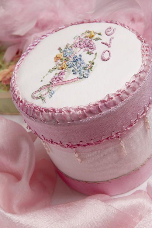Round love memory box