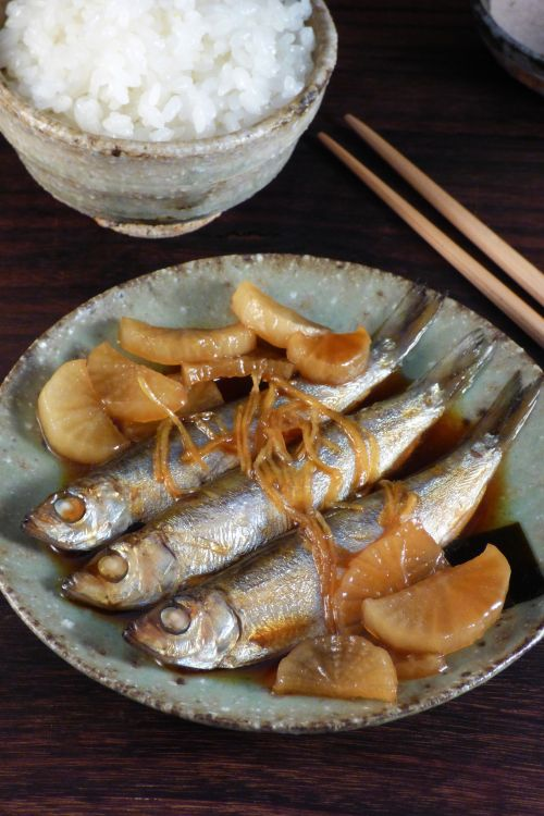 """IWASHI NO KANRONI ~~~ this traditional japanese home-style dish is made of sardines (iwashi) simmered in a sauce. this act of simmering said ingredient in a sweet and salty sauce is known as, """"kanroni"""". recipe gateway: this post's link + a recipe from the blogger's mother's kitchen http://justhungry.com/my-mothers-glazed-sardines-iwashi-no-kanroni [Japan] [kakuni] [asia pacific fish dish]"""