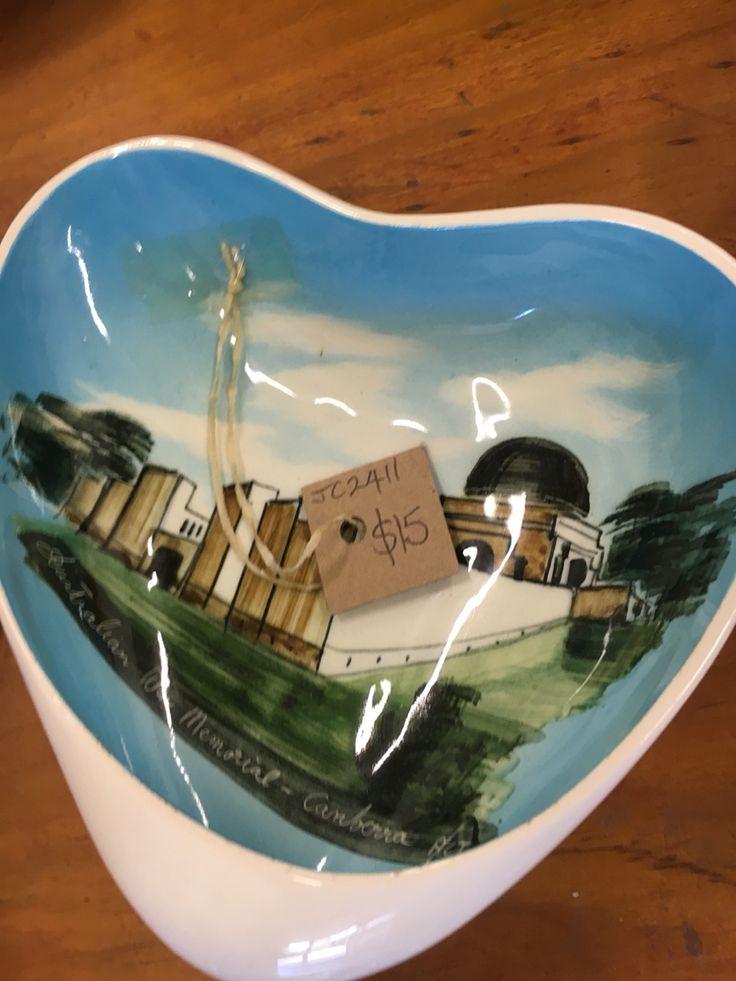 Vintage War Memorial Canberra bowl. $15 at Preloved Tecoma.