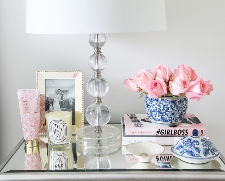Best 25 bedside table decor ideas on pinterest for Bougies decoration table